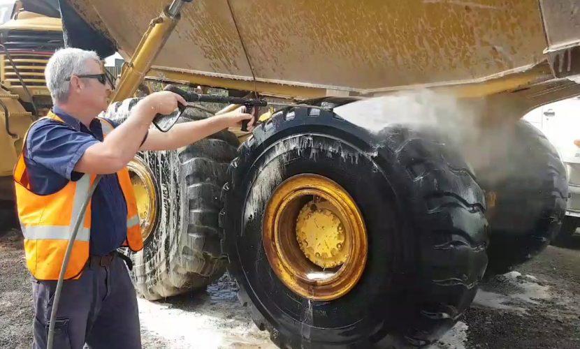 lavado vehículos mineros